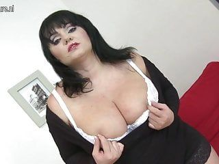 Sexy mamma with large zeppelins and hungry cum-hole
