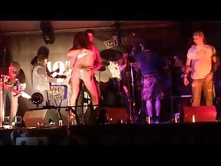 Beauties disrobes nude and has meatballs groped on stage