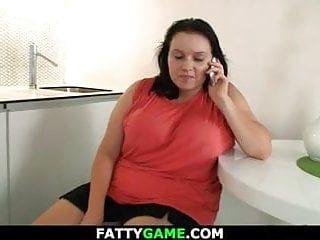 Il grasso billibong di grandi dimensioni seduce lo stallone di servizio snello nel sesso