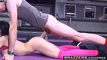 Brazzers - large love bubbles in sports - sophia laure and danny d - perspired butt workout