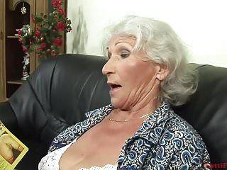 Casting pornô lascivo da avó do euro